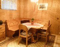 Die große Essecke in der Küche - Bild 8: Berlin XXL Apartment an der Badewiese Toplage *WLAN* Hunde
